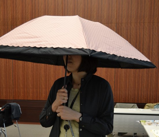 簡単にしまえる折りたたみ傘