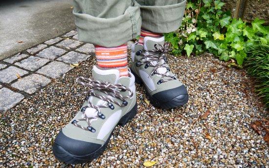 小学生用の登山靴!モンベルの ...